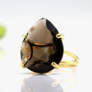 Gold Smoky Quartz Ring, teardrop Ring, pear Ring, drop Ring, faceted Ring, gemstone Ring, brown Ring, statement Ring | Natural genuine Smoky Quartz rings, simple unique handcrafted gemstone rings. #rings #jewelry #shopping #gift #handmade #fashion #style #affiliate #ad