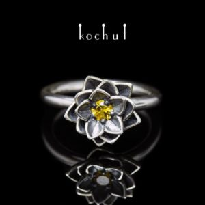 Shop Yellow Sapphire Rings! Yellow sapphire ring, lotus ring, silver lotus ring, lotus flower ring. Flower ring with yellow sapphire from Kochut. | Natural genuine Yellow Sapphire rings, simple unique handcrafted gemstone rings. #rings #jewelry #shopping #gift #handmade #fashion #style #affiliate #ad