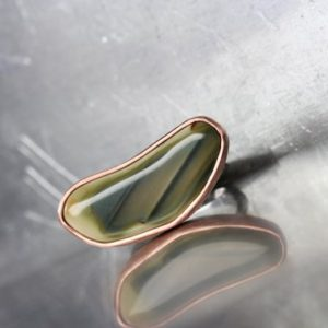 Shop Agate Rings! Striped Green Agate Silver Copper Ring Unique Color Pattern Natural Large Gemstone Freeform Cabochon Statement Ring Boho – Streifenbohne   Natural genuine Agate rings, simple unique handcrafted gemstone rings. #rings #jewelry #shopping #gift #handmade #fashion #style #affiliate #ad