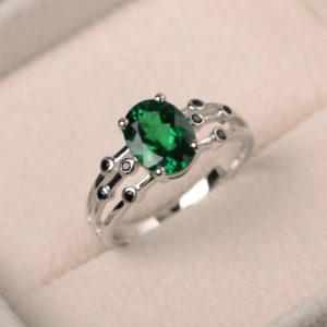 Emerald ring, engagement ring, oval cut green gemstone, May birthstone, sterling silver ring | Natural genuine Gemstone rings, simple unique alternative gemstone engagement rings. #rings #jewelry #bridal #wedding #jewelryaccessories #engagementrings #weddingideas #affiliate #ad