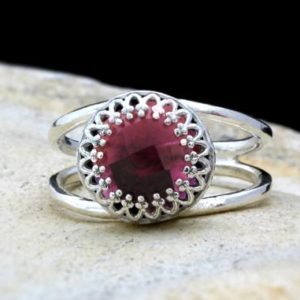 Shop Garnet Rings! Silver garnet ring,sterling silver ring,crown prong ring,vintage ring,garnet jewelry,January birthstone ring,birthda | Natural genuine Garnet rings, simple unique handcrafted gemstone rings. #rings #jewelry #shopping #gift #handmade #fashion #style #affiliate #ad