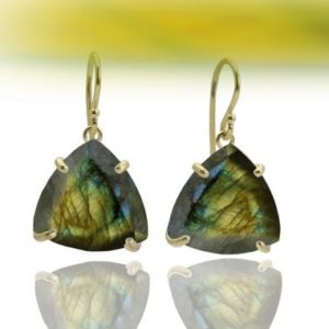Labradorite earrings,triangle earrings,gold earrings,hook earrings,dangle earrings,semiprecious earrings | Natural genuine Gemstone jewelry. Buy crystal jewelry, handmade handcrafted artisan jewelry for women.  Unique handmade gift ideas. #jewelry #beadedjewelry #beadedjewelry #gift #shopping #handmadejewelry #fashion #style #product #jewelry #affiliate #ad