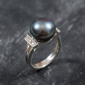Shop Pearl Rings! Real Pearl Ring, Black Pearl Ring, Natural Pearl, June Birthstone, Black Pearl, Real Pearl, Vintage Rings, 925 Silver Ring, Grey Pearl | Natural genuine Pearl rings, simple unique handcrafted gemstone rings. #rings #jewelry #shopping #gift #handmade #fashion #style #affiliate #ad