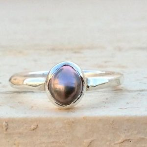 Shop Pearl Rings! Mauve Pearl Silver Ring, Freshwater Pearl Bridesmaids Gift, June Birthstone Silver Ring | Natural genuine Pearl rings, simple unique handcrafted gemstone rings. #rings #jewelry #shopping #gift #handmade #fashion #style #affiliate #ad