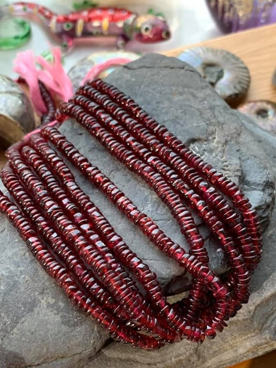 Natural Garnet Tyre Heishi  Rondelle Spacer Handcut Beads 3-4 Mm Approx / Red Gemstone Beads / January Birthstone