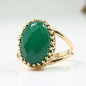 Shop Onyx Rings! green onyx ring,oval ring,gold ring,customize rings,gemstone ring,vintage ring,birthday gift,mom gift | Natural genuine Onyx rings, simple unique handcrafted gemstone rings. #rings #jewelry #shopping #gift #handmade #fashion #style #affiliate #ad