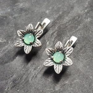 Shop Chrysoprase Earrings! Flower Earrings, Chrysoprase Earrings, Natural Chrysoprase, May Birthstone, Lotus Earrings, Vintage Flower Earrings, Solid Silver Earrings | Natural genuine Chrysoprase earrings. Buy crystal jewelry, handmade handcrafted artisan jewelry for women.  Unique handmade gift ideas. #jewelry #beadedearrings #beadedjewelry #gift #shopping #handmadejewelry #fashion #style #product #earrings #affiliate #ad