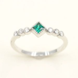 Natural Emerald & High Quality Diamond Wedding Ring / minimalist Emerald Bezel Engagement Ring / 14k White Gold Ring / promise Ring / wedding Band | Natural genuine Gemstone rings, simple unique alternative gemstone engagement rings. #rings #jewelry #bridal #wedding #jewelryaccessories #engagementrings #weddingideas #affiliate #ad