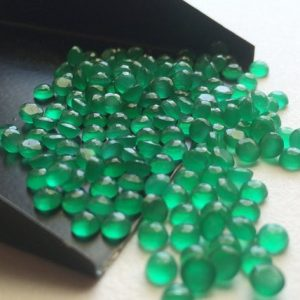 Shop Onyx Stones & Crystals! 4mm Green Onyx Faceted Cabochons, Calibrated Green Onyx Flat Back Cabochons, Green Onyx Round Gems For Jewelry (5cts To 10cts Options) | Natural genuine stones & crystals in various shapes & sizes. Buy raw cut, tumbled, or polished gemstones for making jewelry or crystal healing energy vibration raising reiki stones. #crystals #gemstones #crystalhealing #crystalsandgemstones #energyhealing #affiliate #ad