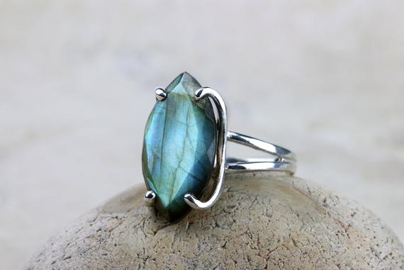 Silver Labradorite Ring,silver Ring,marquise Ring,gemstone Ring,semiprecious Ring,statement Ring,prong Ring