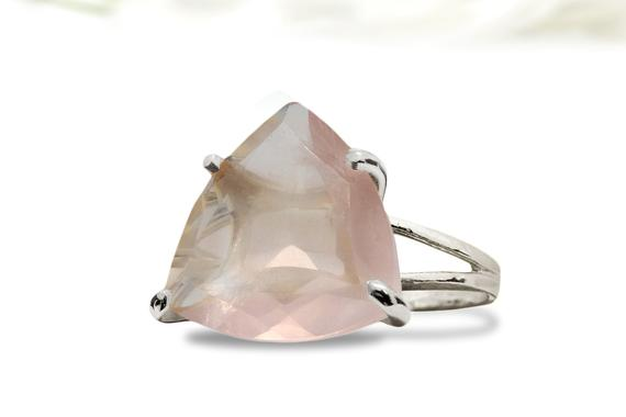 Unique Rose Quartz Ring, Trillion Ring, Gemstone Ring, Pink Love Ring, Pink Quartz Silver Ring, Statement Ring, Double Band Ring