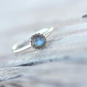 Delicate Rose Cut Labradorite Silver Ring Cute Blue Gray Simple Scalloped Bezel Boho Multicolor Iridescent Gemstone Gift For Her – Sky Berry | Natural genuine Labradorite rings, simple unique handcrafted gemstone rings. #rings #jewelry #shopping #gift #handmade #fashion #style #affiliate #ad