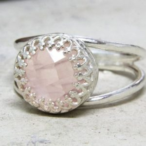 Love Pink Ring, rose Quartz Ring, silver Ring, silver Quartz Jewelry, delicate Ring, bridesmaid Gifts, pink Quartz Ring | Natural genuine Array jewelry. Buy crystal jewelry, handmade handcrafted artisan jewelry for women.  Unique handmade gift ideas. #jewelry #beadedjewelry #beadedjewelry #gift #shopping #handmadejewelry #fashion #style #product #jewelry #affiliate #ad