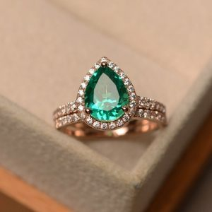 Shop Emerald Engagement Rings! emerald engagement rings set,pear cut,rose gold rings | Natural genuine Emerald rings, simple unique alternative gemstone engagement rings. #rings #jewelry #bridal #wedding #jewelryaccessories #engagementrings #weddingideas #affiliate #ad