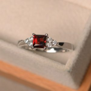 Garnet rings, princess cut red gemstone, January birthstone ring, promise, engagement ring, sterling silver | Natural genuine Array rings, simple unique alternative gemstone engagement rings. #rings #jewelry #bridal #wedding #jewelryaccessories #engagementrings #weddingideas #affiliate #ad
