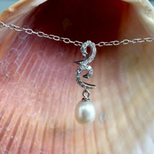 Shop Pearl Pendants! Pearl Pendant | Natural genuine Pearl pendants. Buy crystal jewelry, handmade handcrafted artisan jewelry for women.  Unique handmade gift ideas. #jewelry #beadedpendants #beadedjewelry #gift #shopping #handmadejewelry #fashion #style #product #pendants #affiliate #ad