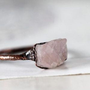 Rose Quartz Ring – Crystal Ring – Raw Pink Crystal – Electroformed Copper Ring | Natural genuine Array jewelry. Buy crystal jewelry, handmade handcrafted artisan jewelry for women.  Unique handmade gift ideas. #jewelry #beadedjewelry #beadedjewelry #gift #shopping #handmadejewelry #fashion #style #product #jewelry #affiliate #ad