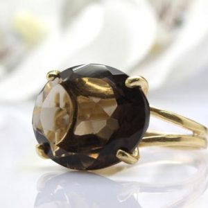 Smoky Quartz Ring, large Oval Ring, gold Ring, statement Ring, gold Cocktail Ring, wide Ring, gemstone Ring | Natural genuine Smoky Quartz rings, simple unique handcrafted gemstone rings. #rings #jewelry #shopping #gift #handmade #fashion #style #affiliate #ad