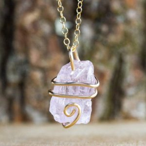 Shop Kunzite Jewelry! Raw Kunzite Necklace – Raw Stone Necklace – Kunzite Pendant – Kunzite Jewelry – Crystal Necklace – Heart Chakra | Natural genuine Kunzite jewelry. Buy crystal jewelry, handmade handcrafted artisan jewelry for women.  Unique handmade gift ideas. #jewelry #beadedjewelry #beadedjewelry #gift #shopping #handmadejewelry #fashion #style #product #jewelry #affiliate #ad