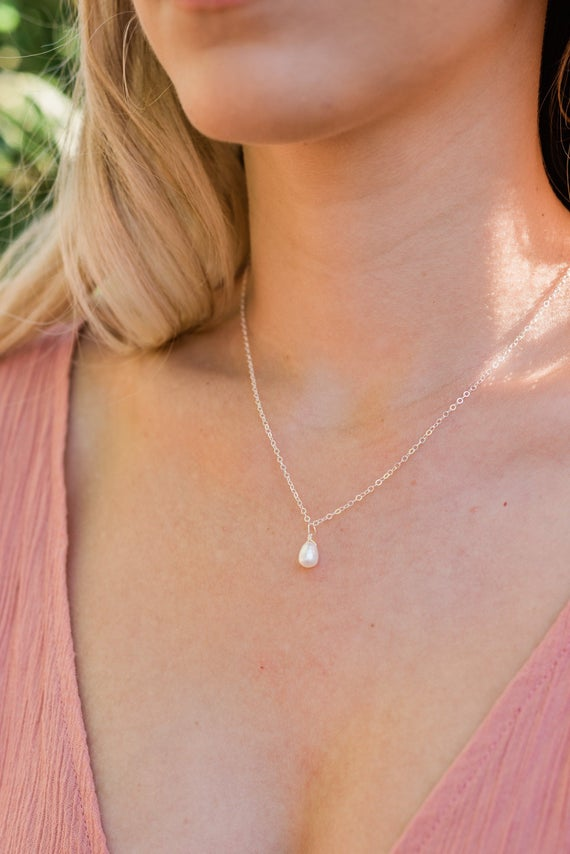 Tiny Pearl Necklace. Little White Freshwater Pearl Necklace. White Dancing Pearl Necklace. June Birthstone Necklace. Dainty Pearl Necklace.