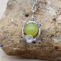 Small Green Peridot Pendant Necklace. August Birthstone. Crystal Reiki Jewelry Uk. Silver Plated Minimalist Frame Necklace | Natural genuine Gemstone jewelry. Buy crystal jewelry, handmade handcrafted artisan jewelry for women.  Unique handmade gift ideas. #jewelry #beadedjewelry #beadedjewelry #gift #shopping #handmadejewelry #fashion #style #product #jewelry #affiliate #ad