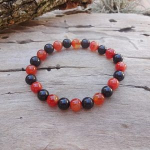 Red energy bracelet with Shungite and Sardonyx | Natural genuine Array bracelets. Buy crystal jewelry, handmade handcrafted artisan jewelry for women.  Unique handmade gift ideas. #jewelry #beadedbracelets #beadedjewelry #gift #shopping #handmadejewelry #fashion #style #product #bracelets #affiliate #ad