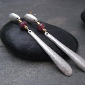Linear paddle earrings with rough pink tourmaline – solid sterling silver | Natural genuine Tourmaline earrings. Buy crystal jewelry, handmade handcrafted artisan jewelry for women.  Unique handmade gift ideas. #jewelry #beadedearrings #beadedjewelry #gift #shopping #handmadejewelry #fashion #style #product #earrings #affiliate #ad