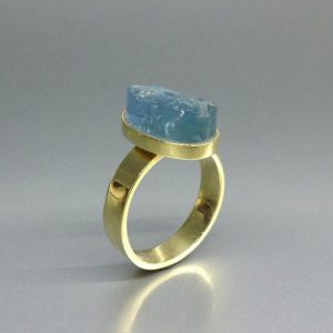 Shop Aquamarine Rings! Raw Aquamarine Ring With 18k Gold – Gift Idea – Oval Natural High Quality Aquamarine With Solid Gold – Unique Design In Classic Setting | Natural genuine Aquamarine rings, simple unique handcrafted gemstone rings. #rings #jewelry #shopping #gift #handmade #fashion #style #affiliate #ad