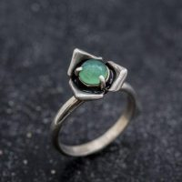 Chrysoprase Ring, Natural Chrysoprase, Rose Ring, Flower Ring, Stackable Flower Ring, Stackable Ring, Vintage Silver Ring, Chrysoprase, Rose | Natural genuine Gemstone jewelry. Buy crystal jewelry, handmade handcrafted artisan jewelry for women.  Unique handmade gift ideas. #jewelry #beadedjewelry #beadedjewelry #gift #shopping #handmadejewelry #fashion #style #product #jewelry #affiliate #ad