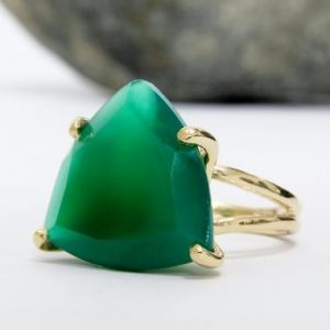 Shop Onyx Jewelry! Stunning green onyx ring,gold filled ring,14k solid gold ring,gemstone ring,triangle stone ring,custom engraving ring,trillion ring gold | Natural genuine Onyx jewelry. Buy crystal jewelry, handmade handcrafted artisan jewelry for women.  Unique handmade gift ideas. #jewelry #beadedjewelry #beadedjewelry #gift #shopping #handmadejewelry #fashion #style #product #jewelry #affiliate #ad