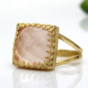 October Love Ring, gold Ring, rose Quartz Ring, square Ring, pink Rings, classic Ring, delicate Ring, vintage Ring | Natural genuine Rose Quartz rings, simple unique handcrafted gemstone rings. #rings #jewelry #shopping #gift #handmade #fashion #style #affiliate #ad