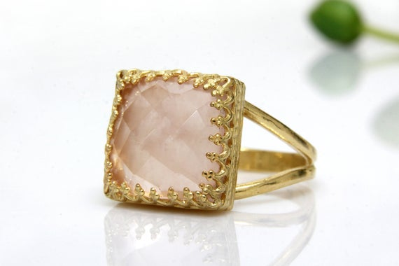 October Love Ring, Gold Ring, Rose Quartz Ring, Square Ring, Pink Rings, Classic Ring, Delicate Ring, Vintage Ring