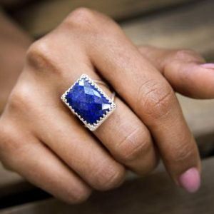 Lapis ring,rectangular ring,statement ring,September birthstone ring,gemstone ring,wow ring,rectangle ring | Natural genuine Lapis Lazuli rings, simple unique handcrafted gemstone rings. #rings #jewelry #shopping #gift #handmade #fashion #style #affiliate #ad