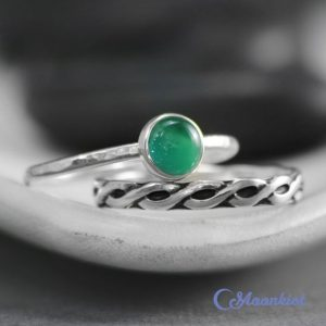 Shop Onyx Rings! Green Onyx Wedding Ring Set,  Celtic Endless Knot Wedding, Sterling Silver, Solitaire Engagement Ring, Onyx Promise Ring, Green Birthstone | Natural genuine Onyx rings, simple unique alternative gemstone engagement rings. #rings #jewelry #bridal #wedding #jewelryaccessories #engagementrings #weddingideas #affiliate #ad