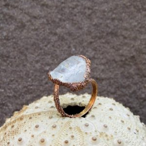 Shop Quartz Crystal Rings! Rough Quartz Ring | Clear Quartz Electroformed Ring | Raw Quartz Copper Ring | Natural genuine Quartz rings, simple unique handcrafted gemstone rings. #rings #jewelry #shopping #gift #handmade #fashion #style #affiliate #ad