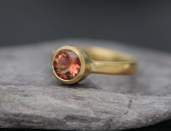 Oregon Sunstone Ring In 18k Gold - Peach Gemstone Solitaire Ring