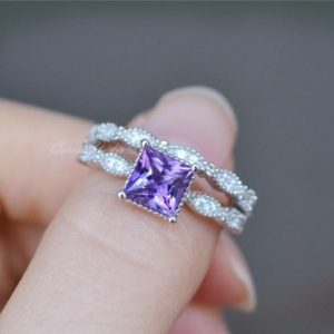 Shop Amethyst Rings! Princess Cut Amethyst Ring Set Amethyst Engagement Ring Set/ Wedding Ring Set Promise/ Anniversary Ring | Natural genuine Amethyst rings, simple unique alternative gemstone engagement rings. #rings #jewelry #bridal #wedding #jewelryaccessories #engagementrings #weddingideas #affiliate #ad