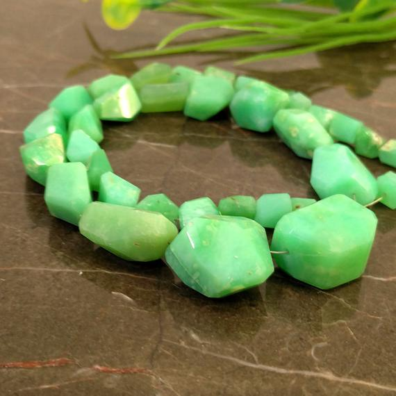 Natural Chrysoprase 6-20mm Step Cut Nuggets Gemstone Beads / Approx 35 Pieces On 14 Inch Long Strand / Jbc-et-148563