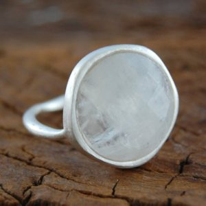 Silver Ring-Birthstone Jewelry-Gemstone Ring-Silver Ring With Stone-Moonstone Ring-Silver Gemstone Ring-White Gemstone-Natural Stone Ring | Natural genuine Array jewelry. Buy crystal jewelry, handmade handcrafted artisan jewelry for women.  Unique handmade gift ideas. #jewelry #beadedjewelry #beadedjewelry #gift #shopping #handmadejewelry #fashion #style #product #jewelry #affiliate #ad