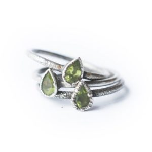 Shop Peridot Rings! Green Peridot ring | Raw peridot ring | Copper & peridot ring | Electroformed jewelry | Organic stone jewelry | Natural genuine Peridot rings, simple unique handcrafted gemstone rings. #rings #jewelry #shopping #gift #handmade #fashion #style #affiliate #ad
