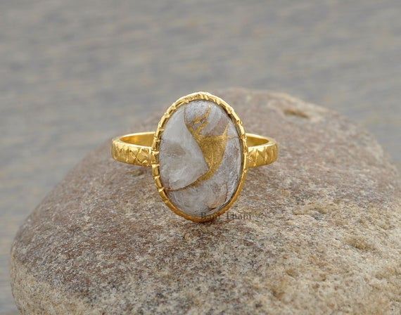 Silver Ring, Hammered Ring, Copper White Calcite Ring, Oval 10x14mm Ring, Gold Plated Ring, 925 Sterling Silver Bezel Ring, Stone Ring #1069