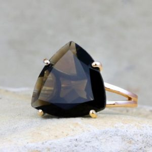 Smoky quartz ring,rose gold ring,gold filled ring,solid gold ring,cocktail ring,statement ring,trillion ring | Natural genuine Smoky Quartz rings, simple unique handcrafted gemstone rings. #rings #jewelry #shopping #gift #handmade #fashion #style #affiliate #ad