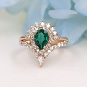 Lab Created Emerald Diamond Engagement Ring/Unique Bridal Ring /0.75ct High Quality Diamonds & Lab-Created Emerald/Wedding Ring for Women | Natural genuine Array rings, simple unique alternative gemstone engagement rings. #rings #jewelry #bridal #wedding #jewelryaccessories #engagementrings #weddingideas #affiliate #ad