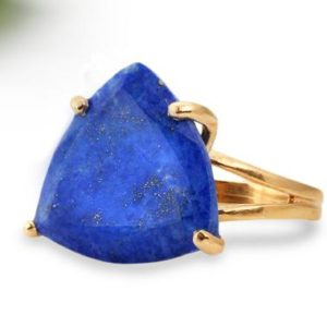 Shop Lapis Lazuli Jewelry! Lapis Lazuli Ring,unique handmade ring,trillion ring,gemstone ring,triangle ring,navy blue ring for women,rose gold ring | Natural genuine Lapis Lazuli jewelry. Buy crystal jewelry, handmade handcrafted artisan jewelry for women.  Unique handmade gift ideas. #jewelry #beadedjewelry #beadedjewelry #gift #shopping #handmadejewelry #fashion #style #product #jewelry #affiliate #ad