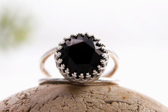 Black Onyx Ring,sterling Silver Ring,black Ring,delicate Black Jewelry,black And Silver,gemstone Ring