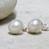 Silver Pearl Earrings, post Earrings, stud Earrings, freshwater Pearl Earrings, bridal Earrings, wedding Earrings | Natural genuine Gemstone jewelry. Buy handcrafted artisan wedding jewelry.  Unique handmade bridal jewelry gift ideas. #jewelry #beadedjewelry #gift #crystaljewelry #shopping #handmadejewelry #wedding #bridal #jewelry #affiliate #ad