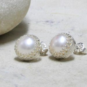 silver pearl earrings,post earrings,stud earrings,freshwater pearl earrings,bridal earrings,wedding earrings | Natural genuine Gemstone earrings. Buy handcrafted artisan wedding jewelry.  Unique handmade bridal jewelry gift ideas. #jewelry #beadedearrings #gift #crystaljewelry #shopping #handmadejewelry #wedding #bridal #earrings #affiliate #ad