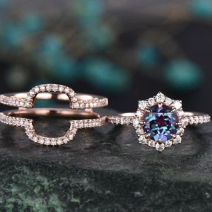 Shop Alexandrite Jewelry! 2pcs alexandrite ring set unique bridal set alexandrite engagement ring set 14k rose gold moissanite halo ring diamond wedding band jewelry | Natural genuine Alexandrite jewelry. Buy handcrafted artisan wedding jewelry.  Unique handmade bridal jewelry gift ideas. #jewelry #beadedjewelry #gift #crystaljewelry #shopping #handmadejewelry #wedding #bridal #jewelry #affiliate #ad