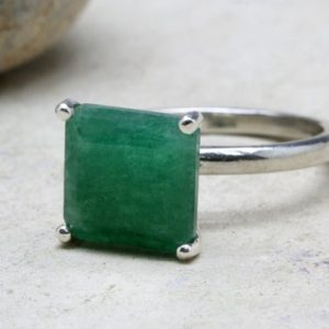 Shop Aventurine Jewelry! aventurine ring,fashion ring,silver ring,fine rings,custom rings,prong setting ring,green ring,gemstone ring | Natural genuine Aventurine jewelry. Buy crystal jewelry, handmade handcrafted artisan jewelry for women.  Unique handmade gift ideas. #jewelry #beadedjewelry #beadedjewelry #gift #shopping #handmadejewelry #fashion #style #product #jewelry #affiliate #ad