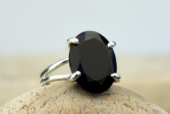 Black Onyx Ring, Sterling Silver Ring, Silver Gemstone Ring, Cocktail Ring, Black Ring, Vintage Ring, Silver And Black Jew